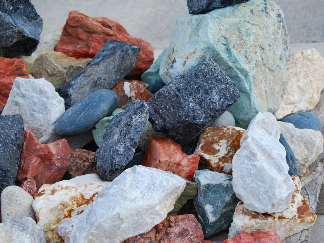 boulders and decorative landscape rocks palo ia cedar river